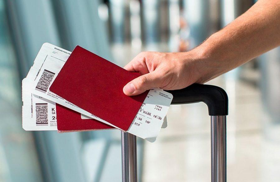 Билеты на рейс самолета и паспорт