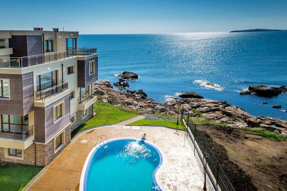 Дом у моря, в Болгарии