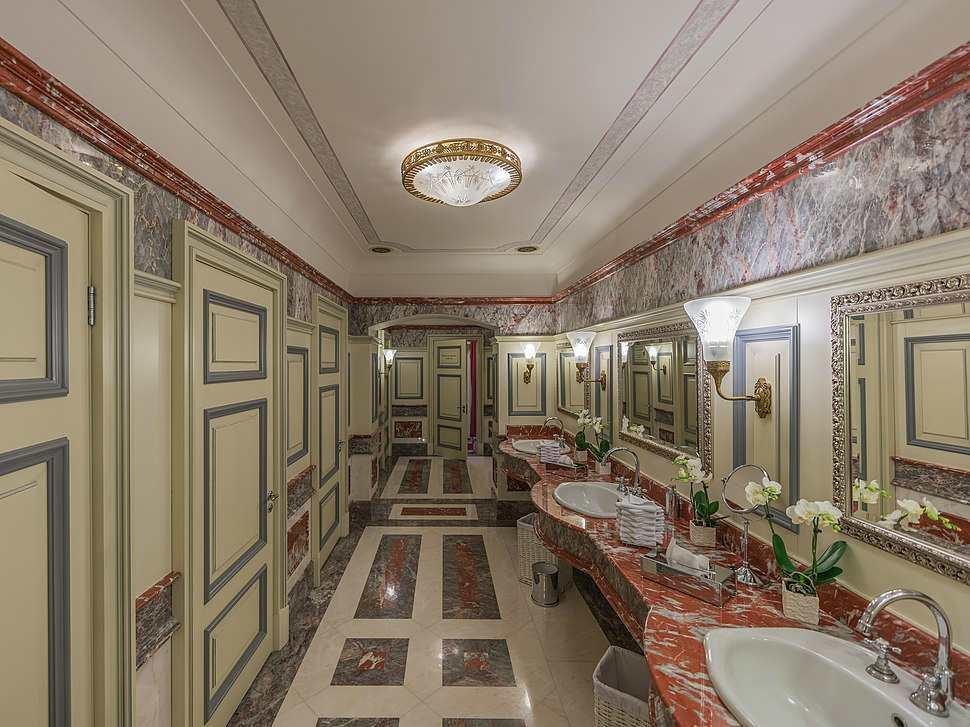 Исторический туалет