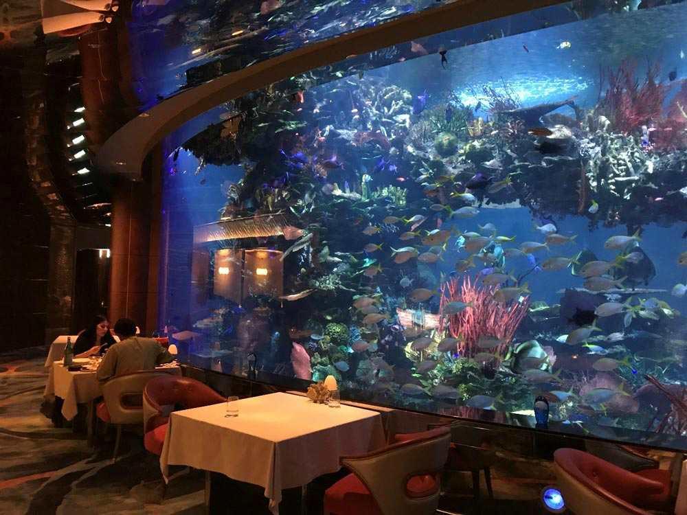 Ресторан в отеле Burj Al Arab