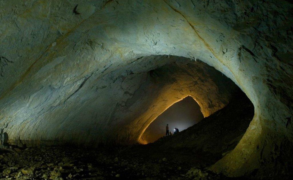 Пещера Мовиле