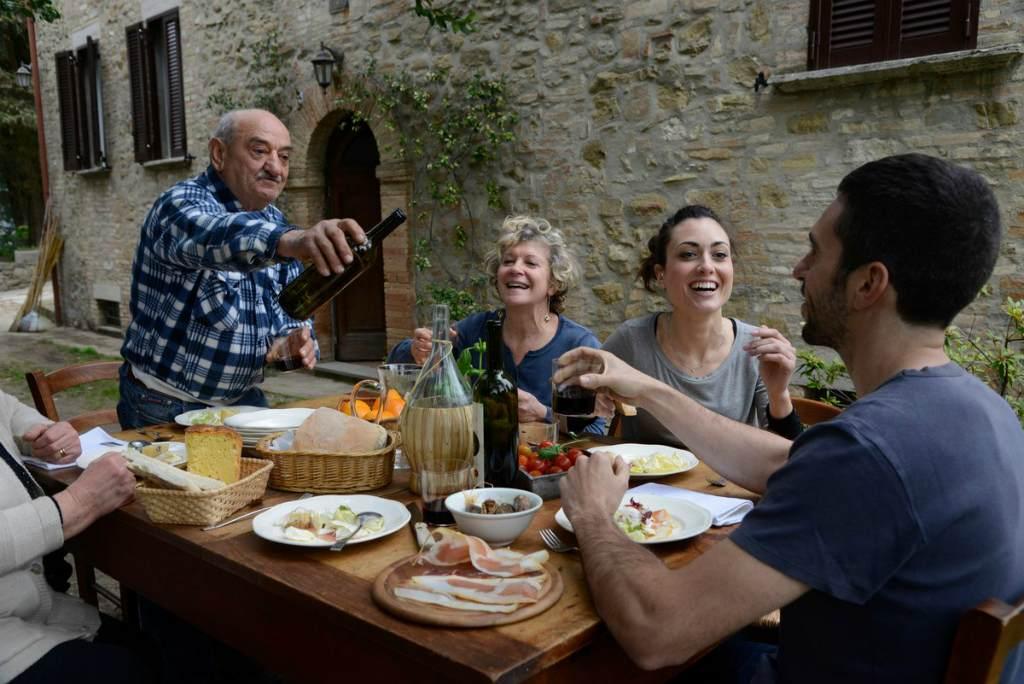Застолье в Испании