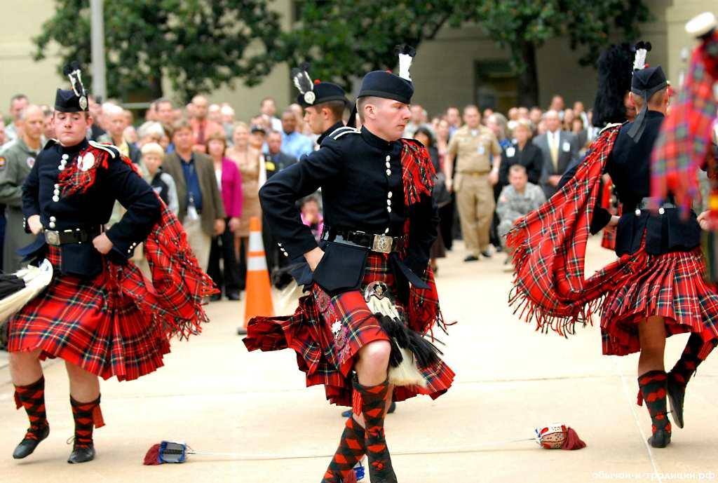 Шотландец танцует