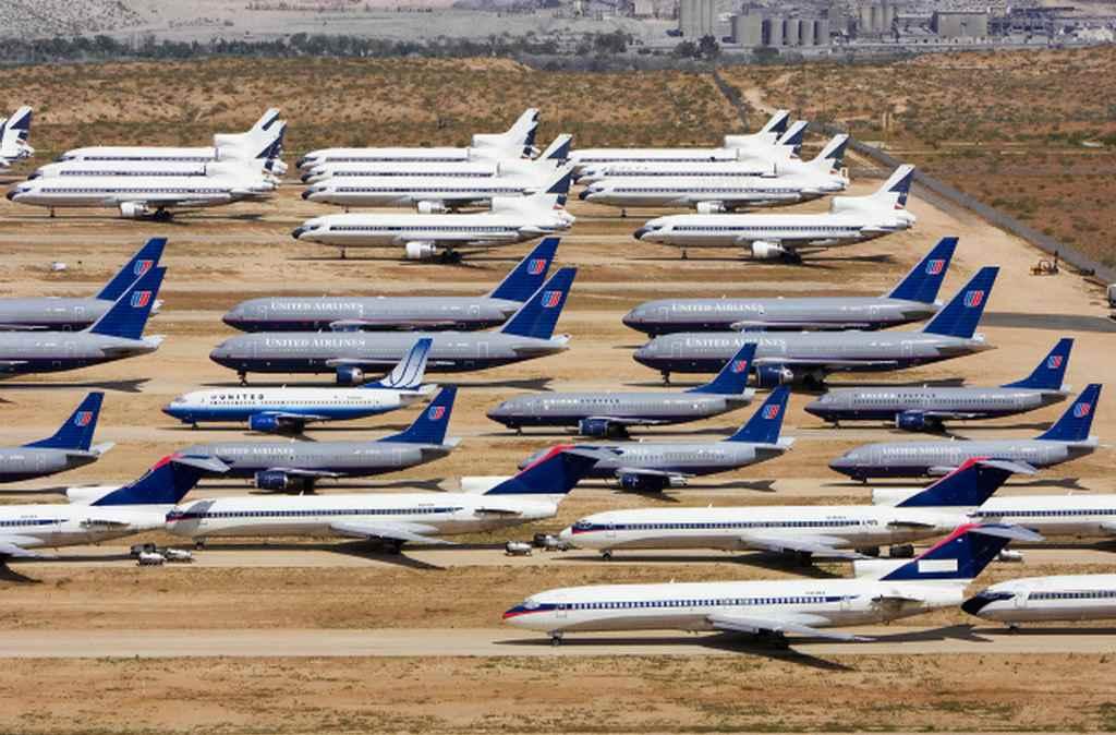 Кладбище самолетов в пустыне Мохава