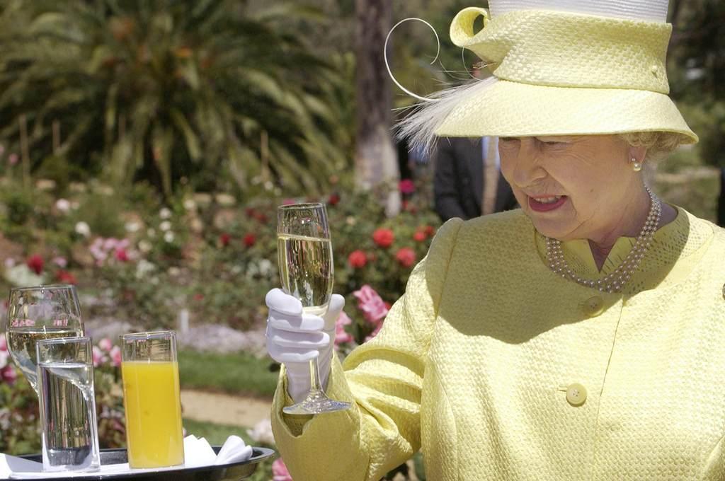 Шампанское для королевы Англии