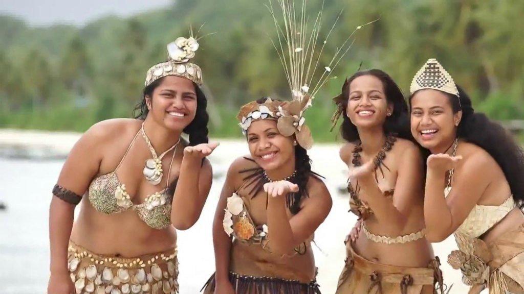 Девушки острова Науру
