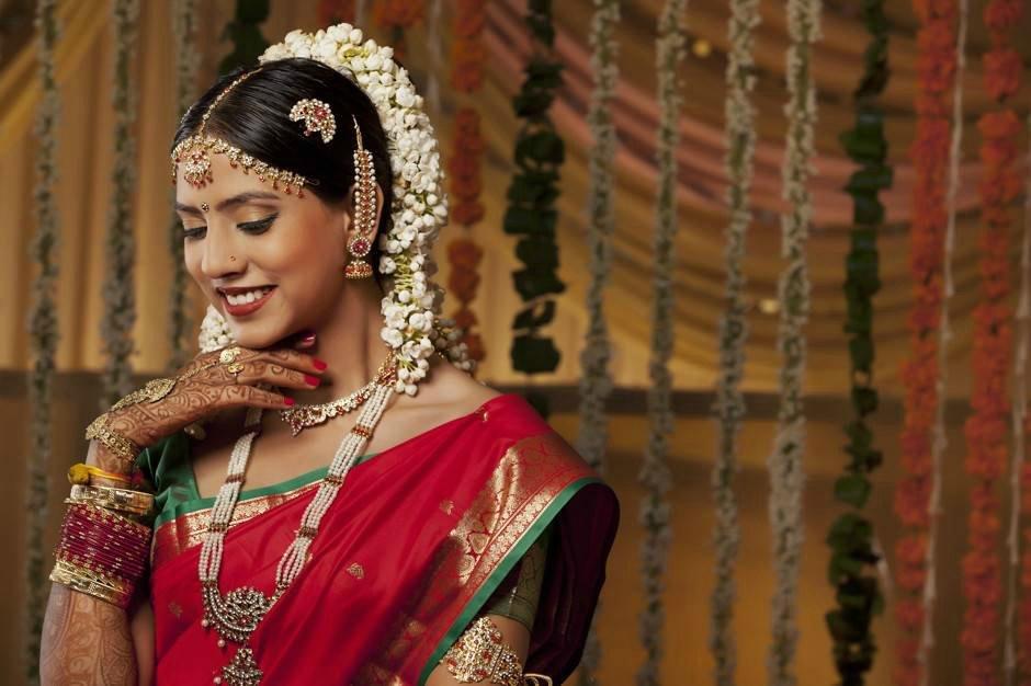 молодая женщина в Индии