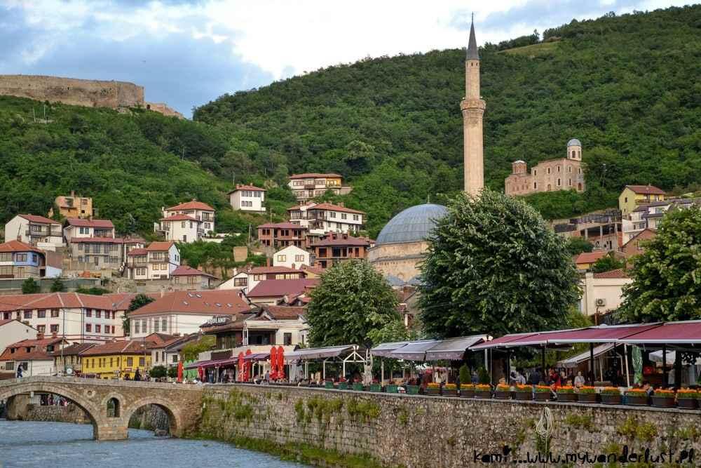 Страна Косово