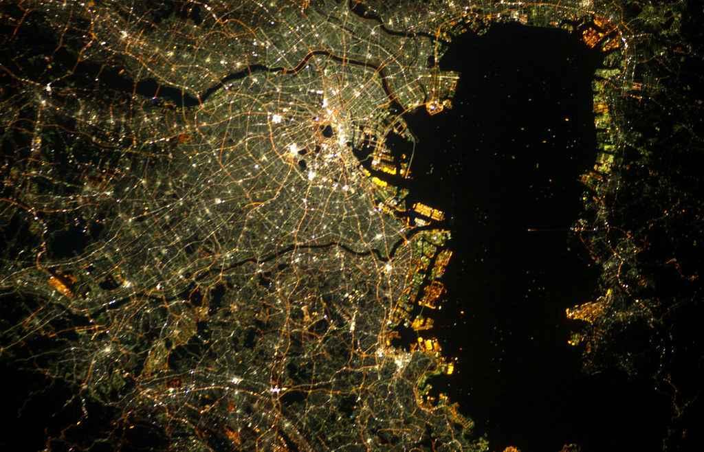 Ночной Токио с космоса