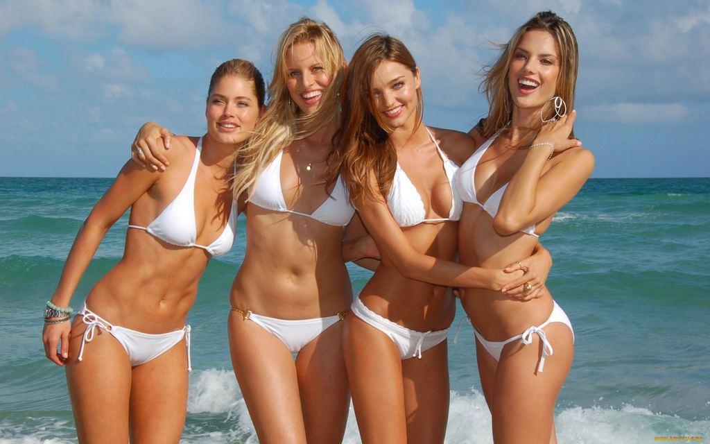 Женский пляж в Сырасу