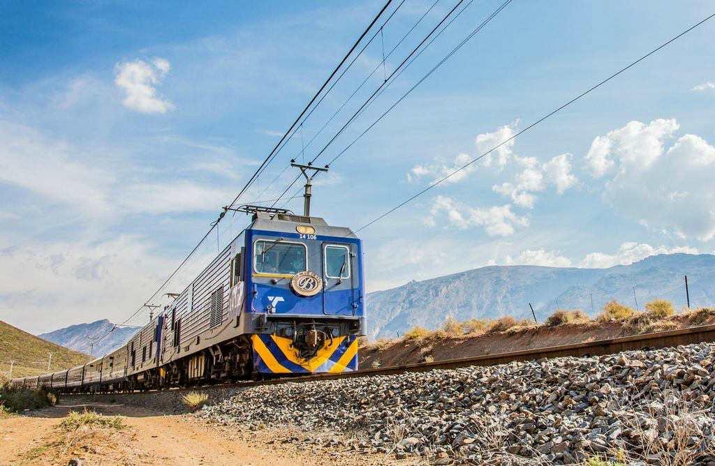 Синий поезд — африканская мечта
