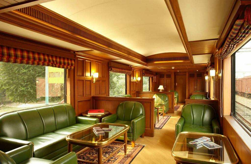 Поезд с шикарным интерьером