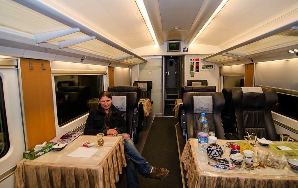 Интерьер вагона узбекского поезда