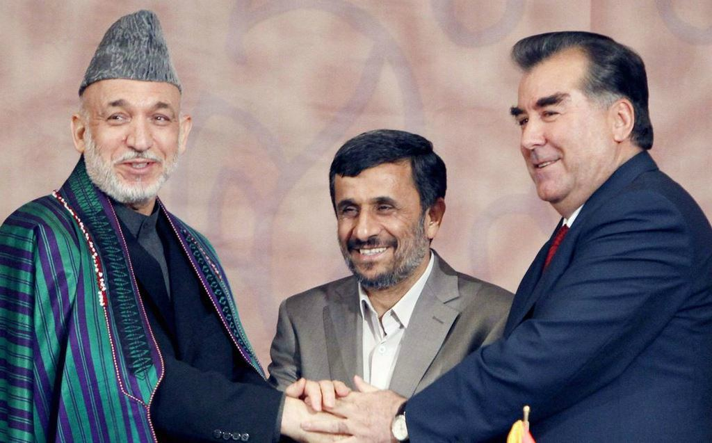 Приветствие в Таджикистане