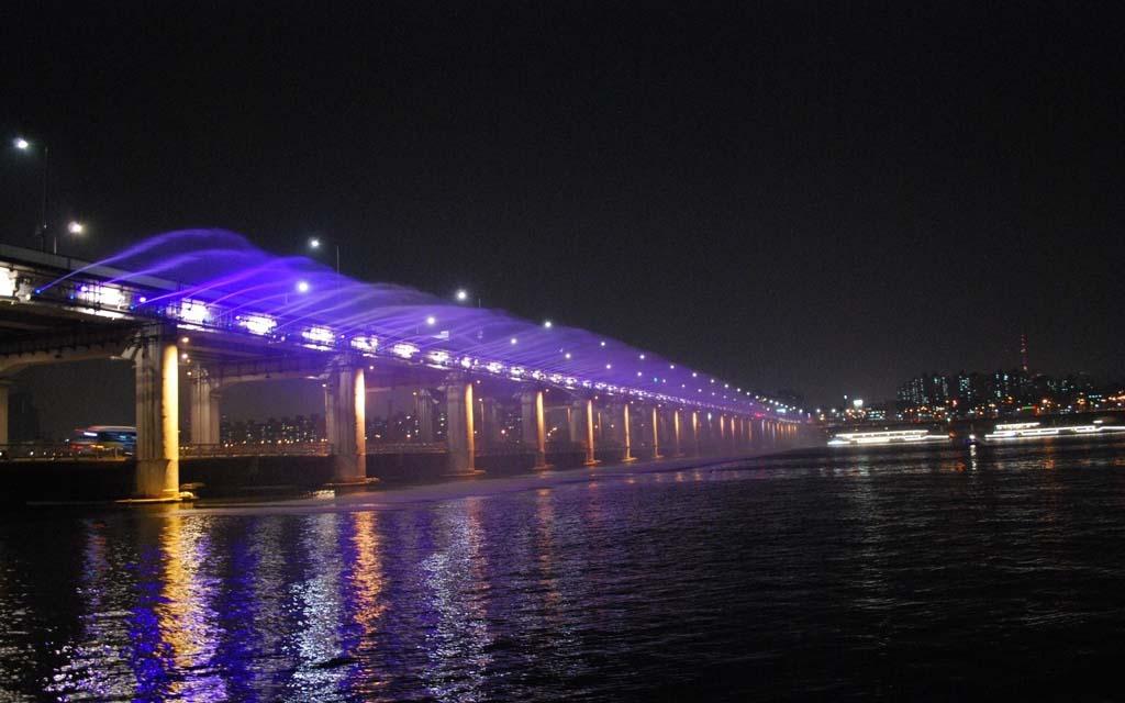 Посещение радужного моста в Сеуле