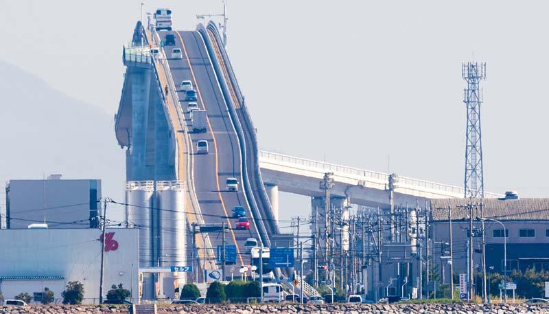 Необычный мост в Японии