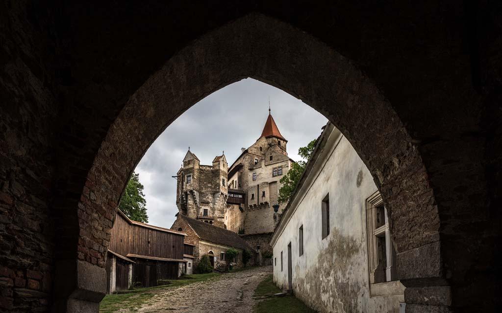 настоящее замка Пернштейн