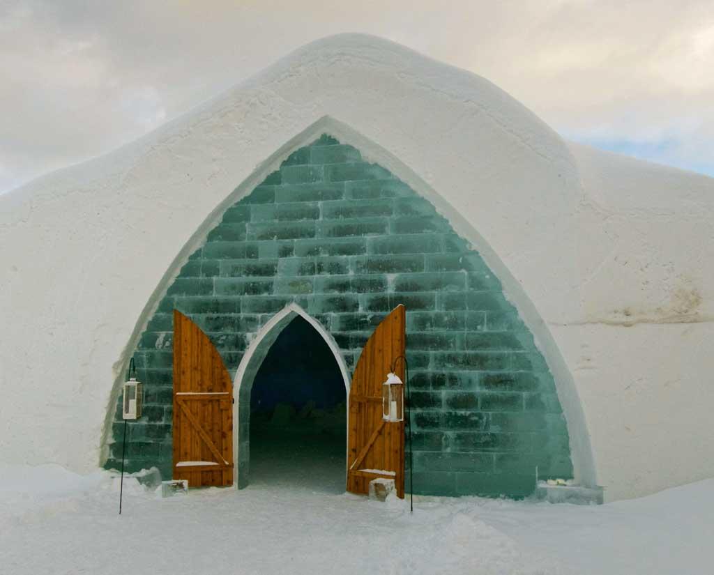 Кто и где строит снежные и ледяные дома