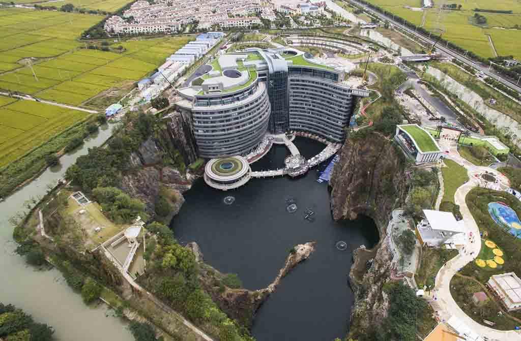 подземный отель в китайском Шанхае