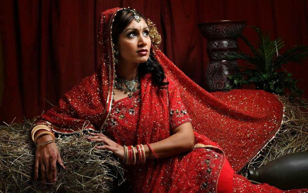 Сари на индийской женщине