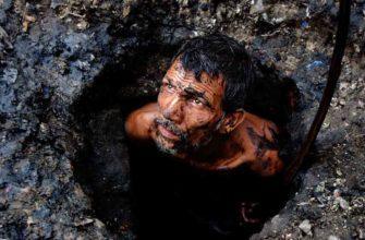 Канализационные ныряльщики — одна из профессий Индии