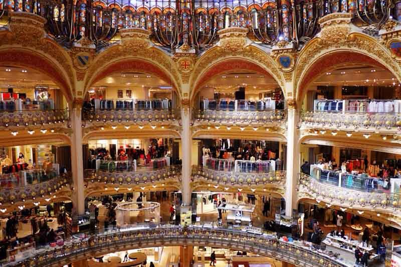 Италия рождественская распродажа