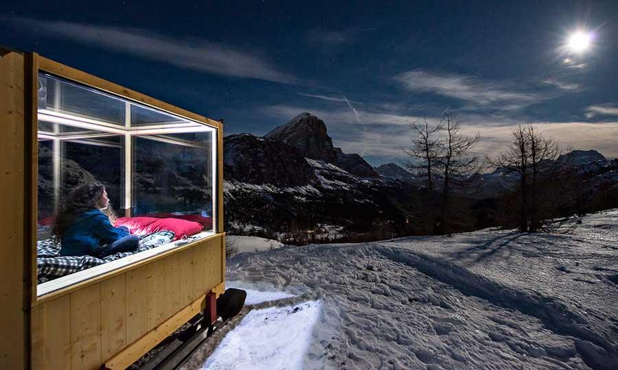 Вагончик в горах для романтичного уик-энда для парочек