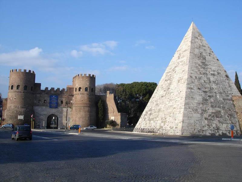 Чем уникальна римская пирамида Цестия