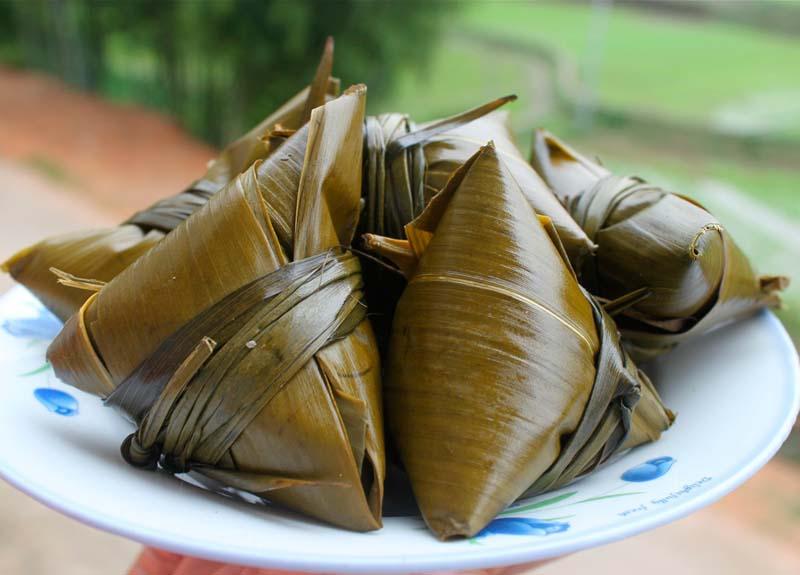 рис в листьях бамбука