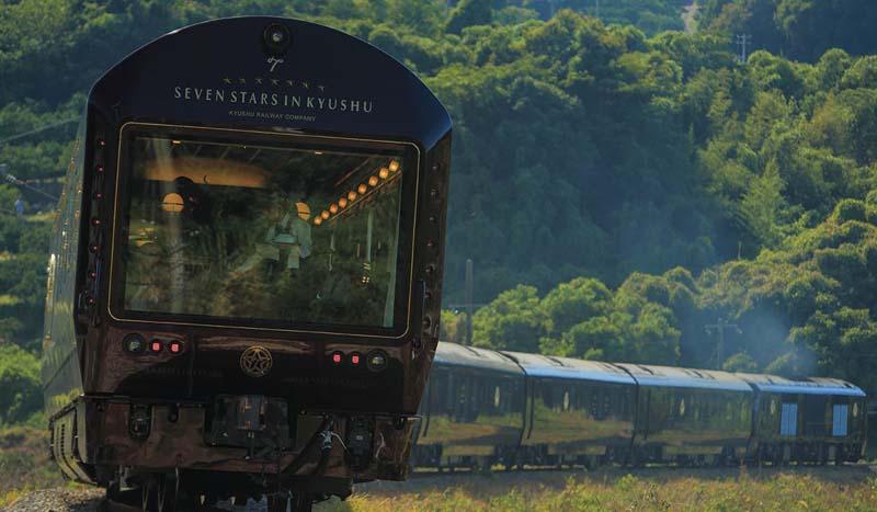 Семизвездочный поезд для туристов