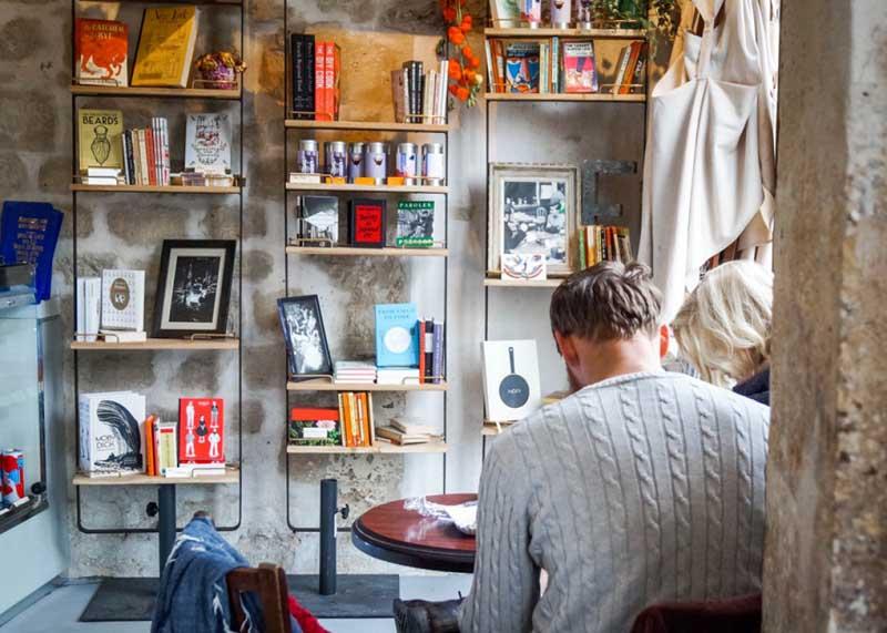 В чем особенность книжного магазина в париже