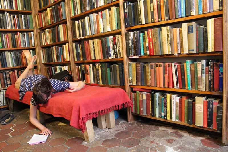 Книжный магазин, ставший мини-отелем