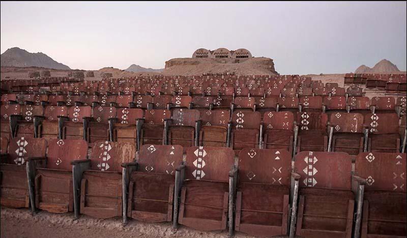 кинотеатр в пустыне Египта