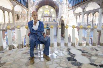 Строит храм в одиночку: как испанец уже 50 лет возводит храм своим руками
