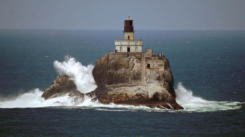 Как был построен легендарный маяк Tillamook Rock Light