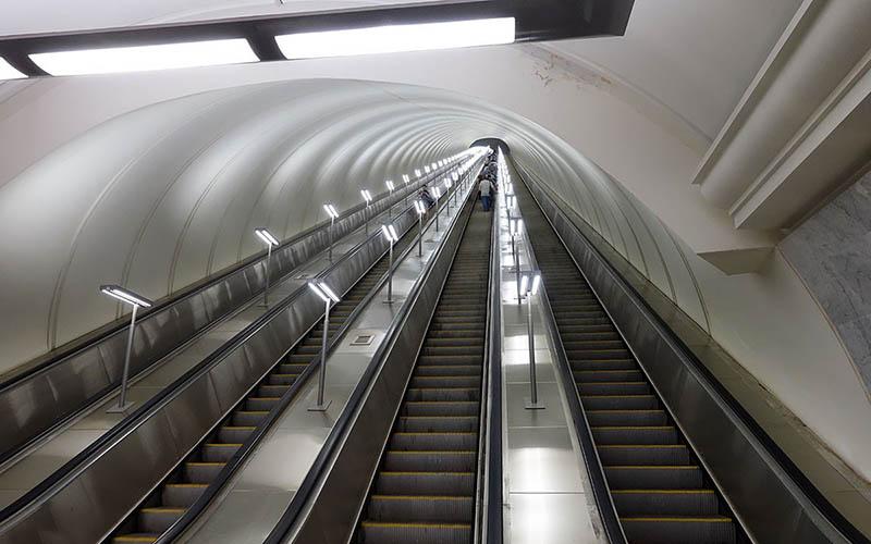 В Москве наиболее длинный эскалатор прилагается к станции метрополитена Парк Победы