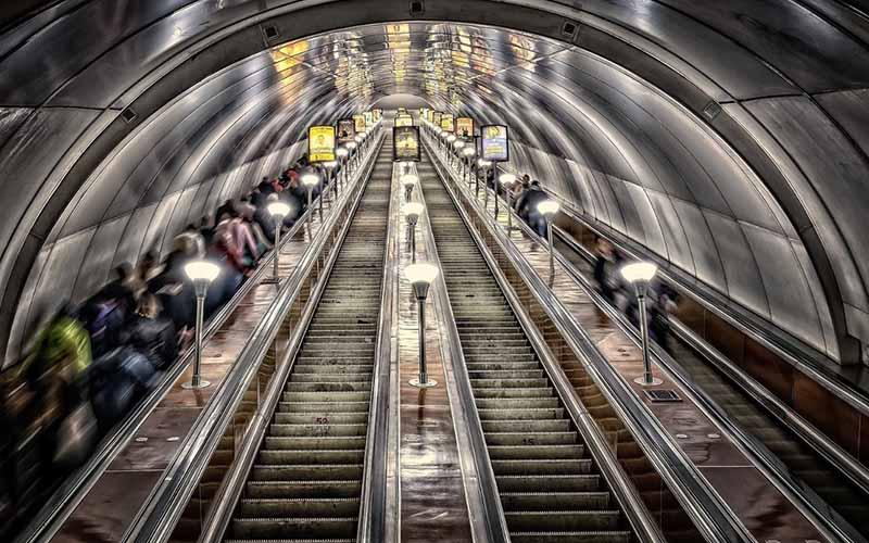 В какой стране находится самый длинный эскалатор