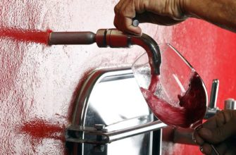 Почему в итальянской деревушке лилось вино из водопроводных кранов