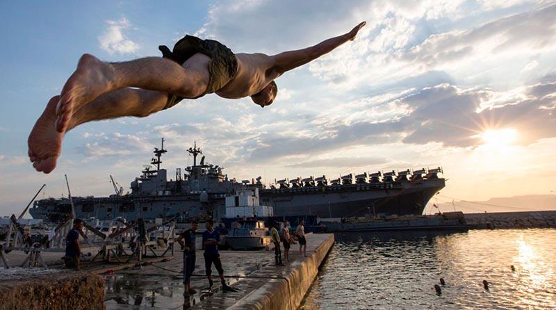 В какие страны мира могут и не могут выезжать российские военные