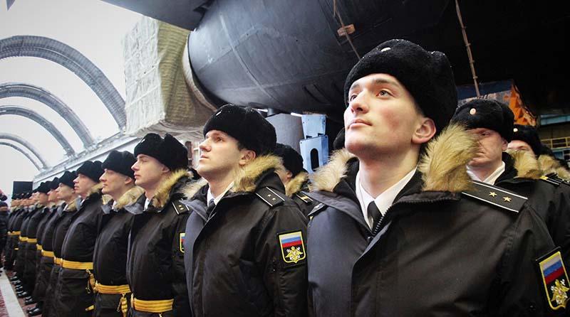 Как военнослужащих выпускают за границу