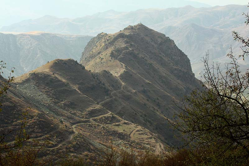 Подножье горы Арагац