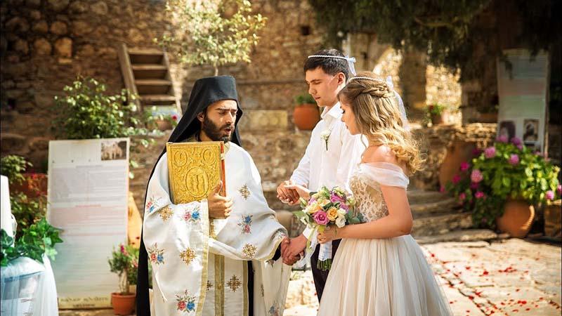 Где женятся греки, если у них нет загсов