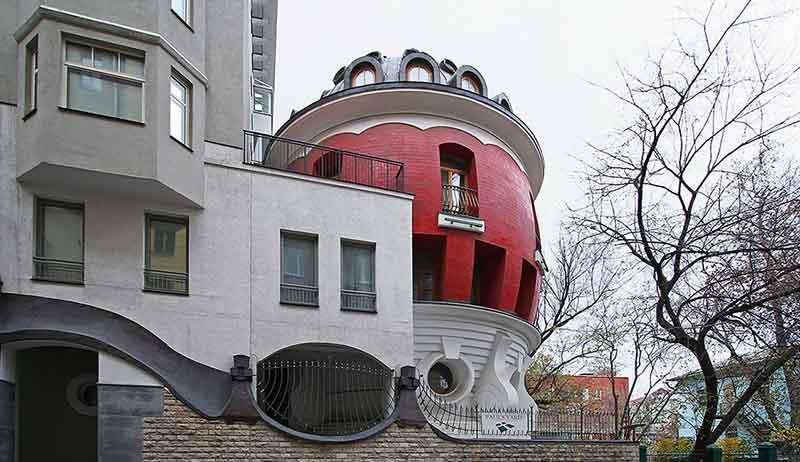 Дом-яйцо в Москве