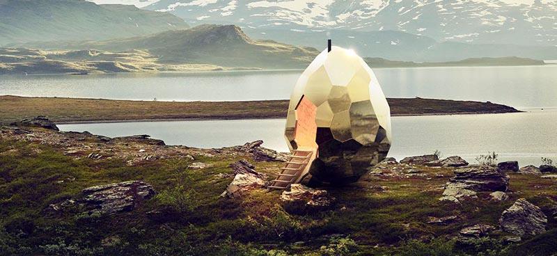 специалисты из архитектурного бюро Bigert&Bergstrom построили яйцевидную сауну.