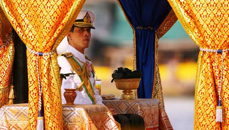 правитель Таиланда входит в группу риска по возрасту