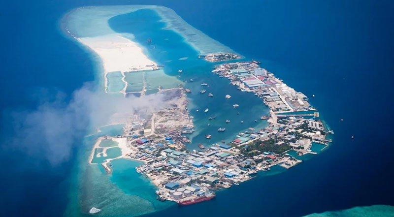 остров Тилафуши был все равно загажен, правительство Мальдив решило отдать его промышленным предприятиям