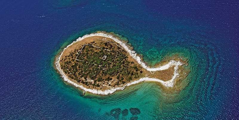 Острова необычной формы