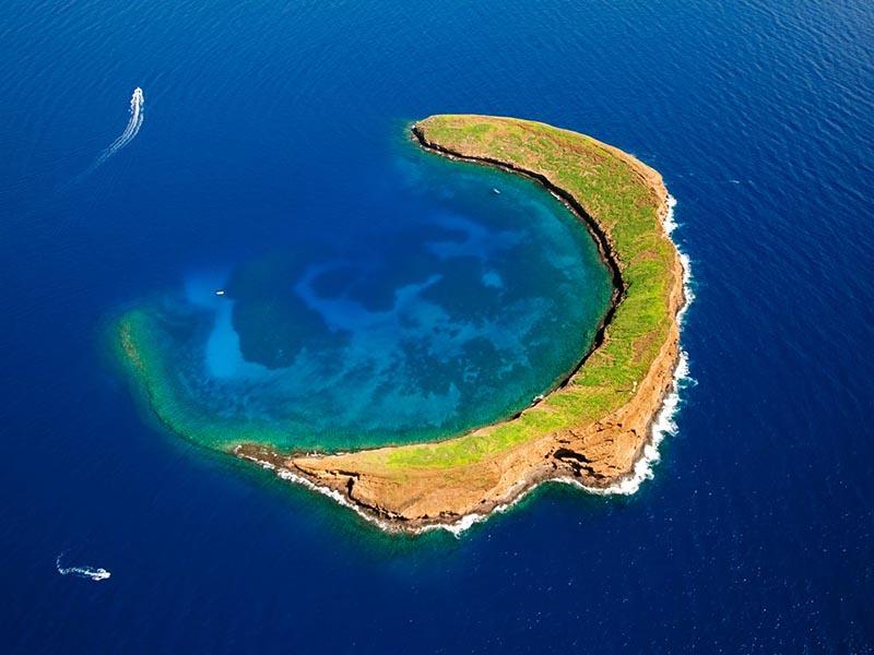 Остров-полумесяц