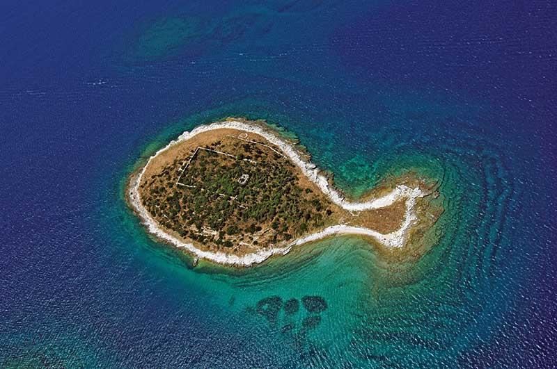 Остров-рыба