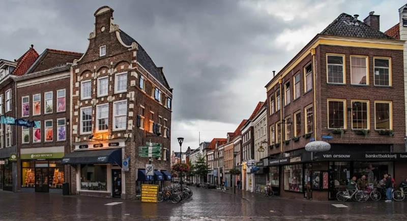 Пестрые голландские дома